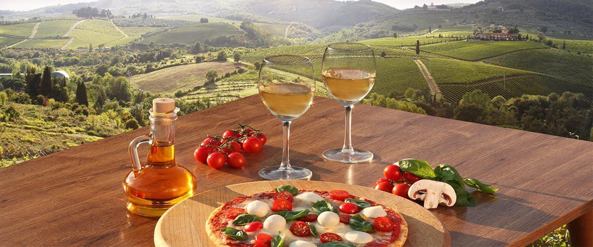 italien-weisswein-pizza