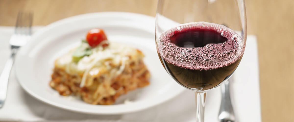 Rotwein zu Lasagne